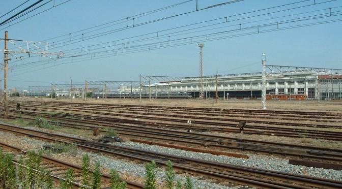 JR京都線沿いの吹田操車場跡地